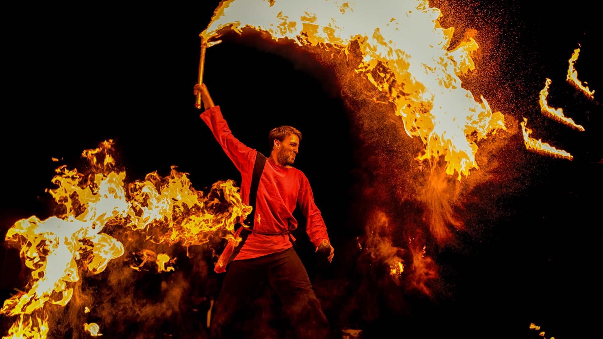 Fiurfaro - Die Feuershow für mittelalterliche Veranstaltungen und private Festlichkeiten