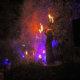 Feuer-Action über den Köpfen der Zuschauer.