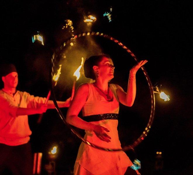 Hoop Brautpaar bei Feuershow in Solingen