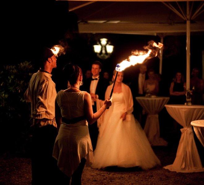 Abholung der Gäste Brautpaar bei Feuershow in Solingen