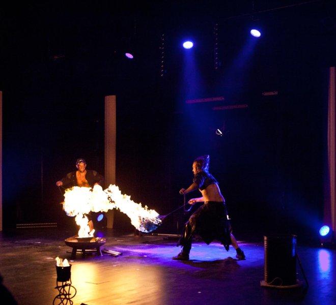 Indoor FeuerShow im Theater Reutlingen