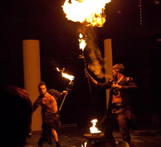 Feuerspucken im Theater Reutlingen